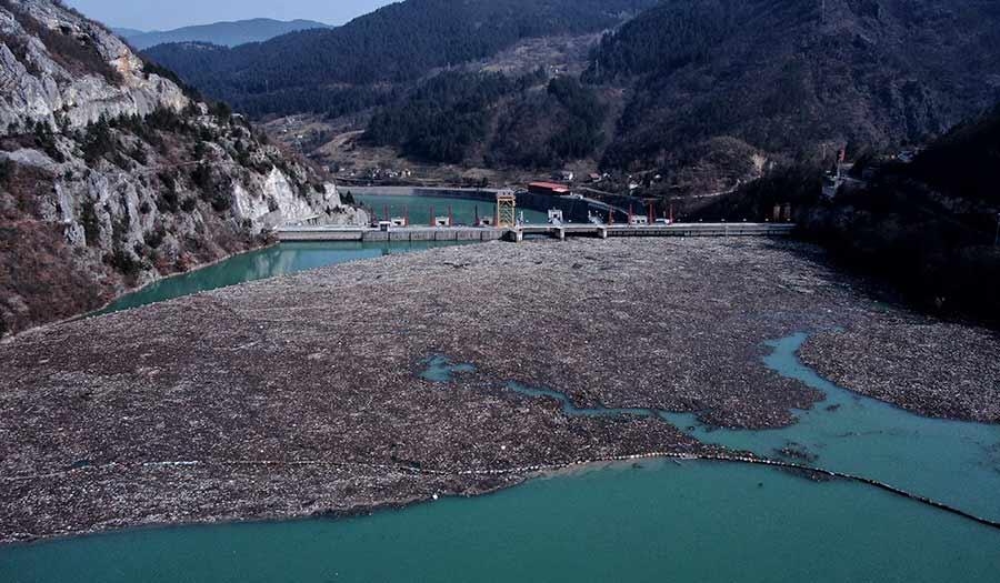 Bosnia_River_Debris-apha-210225.jpg