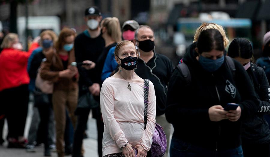 Crowd_Masks_Vote-apha-201026.jpg