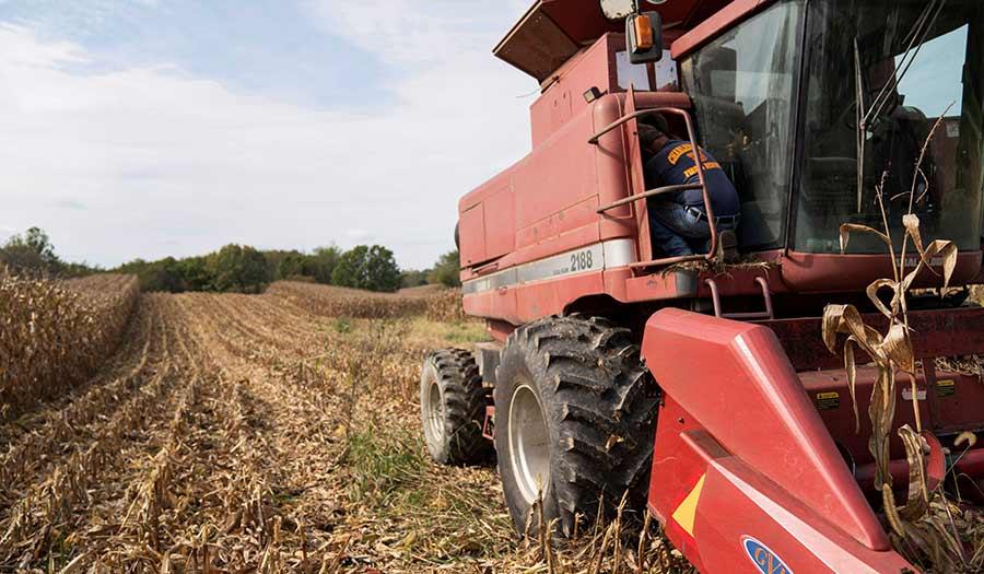 Farm_Equipment_Maintenance-apha-211015.jpg
