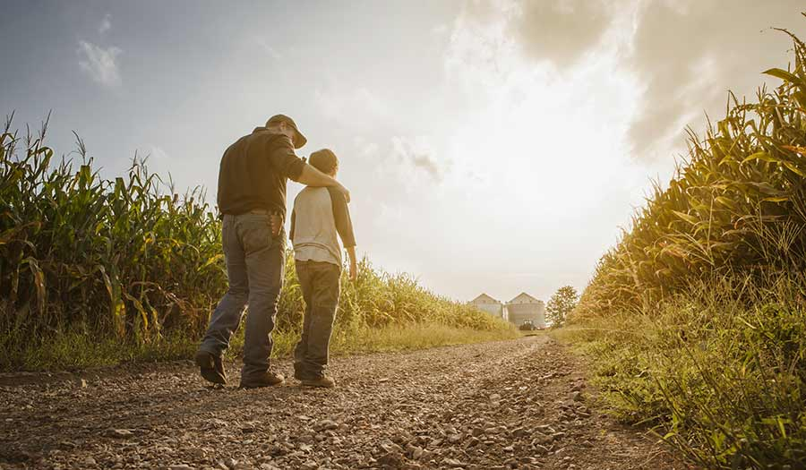 Father_Walking_Son-apha-210429.jpg