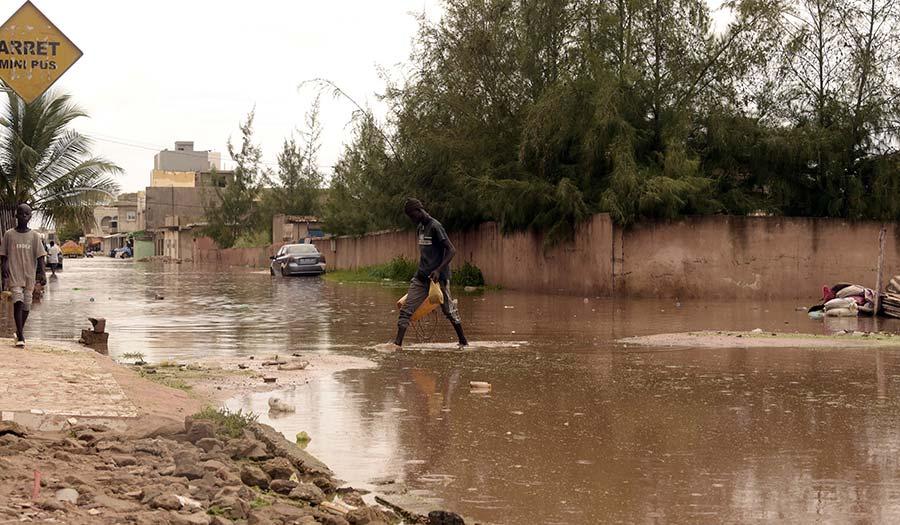 Flooded_Streets_Dakar-apha-200909.jpg