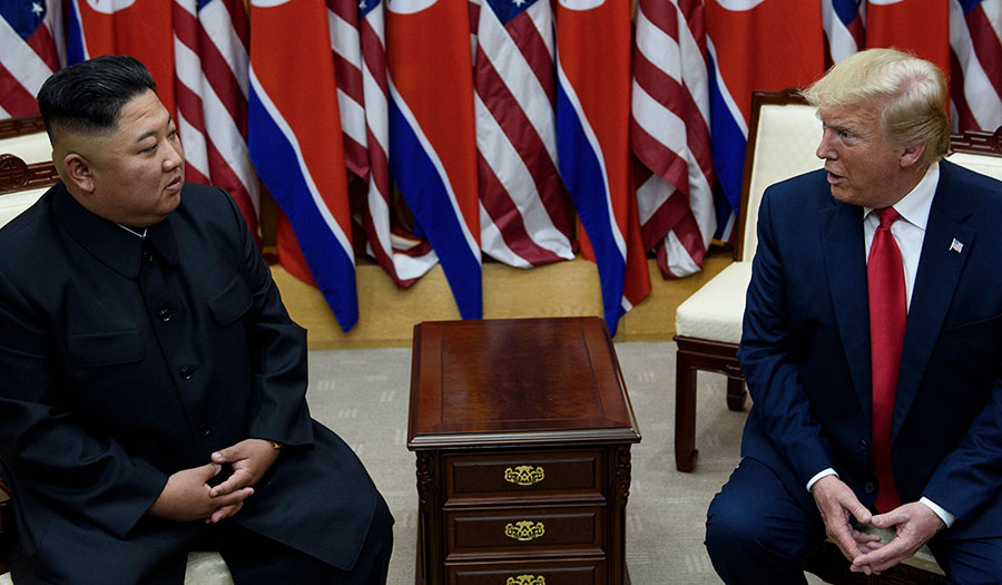 Kim_Trump_Meeting-apha-200731.jpg