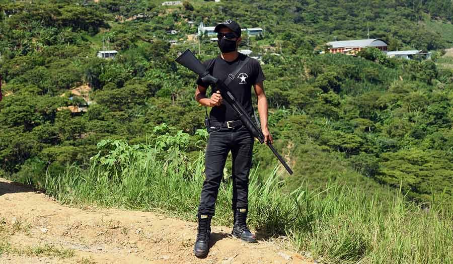 Mexic_Vigilante_Militant-apha-210729.jpg