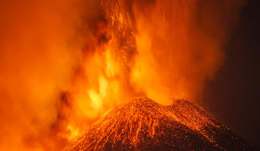 Mount_Etna_Show-apha-210226.jpg