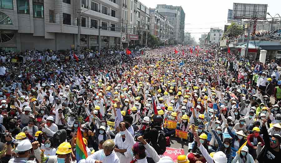 Protests_Myanmar_Force-apha-210222.jpg