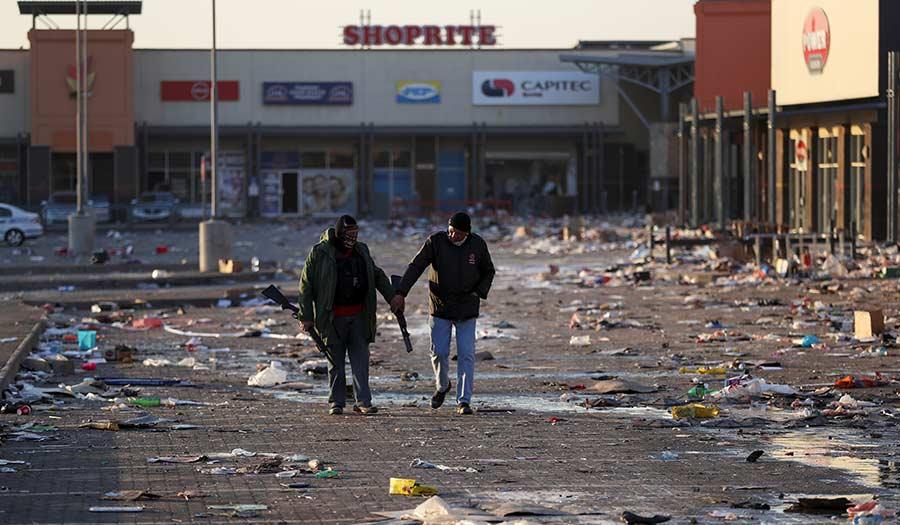 South_Africa_Looting-apha-210716.jpg