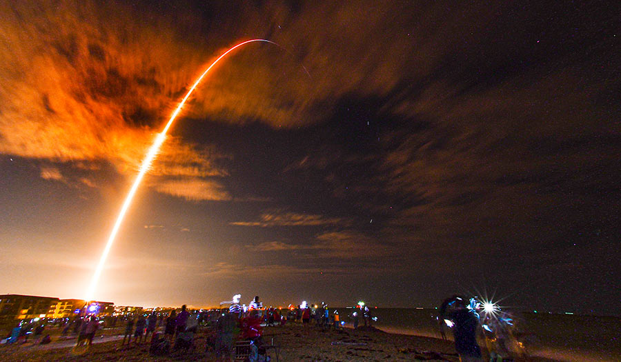 SpaceX_Launch_Kennedy-apha-201117.jpg