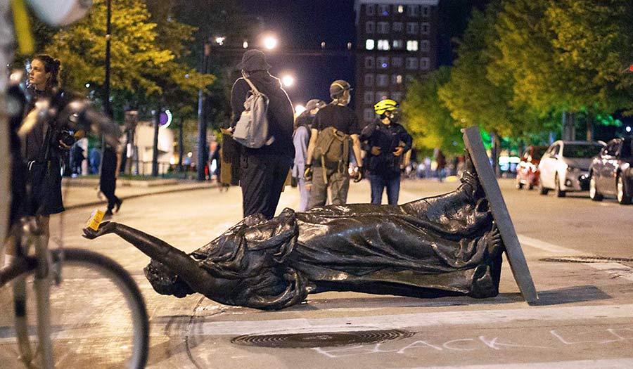 Statue_Madison_Wisconsin-apha-200625.jpg