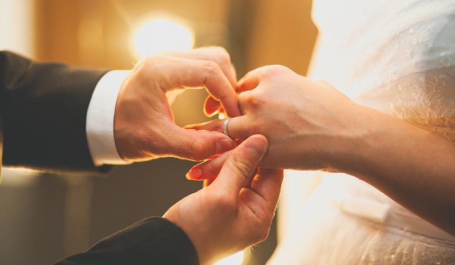 Wedding_Ring_Ceremony-apha-200824.jpg