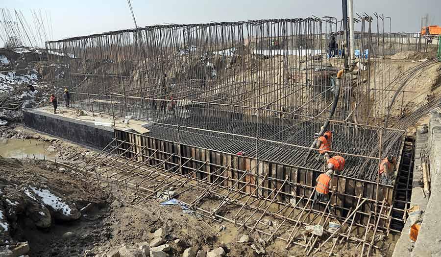 afghanistan_rebuilding_cost-apha-200211.jpg