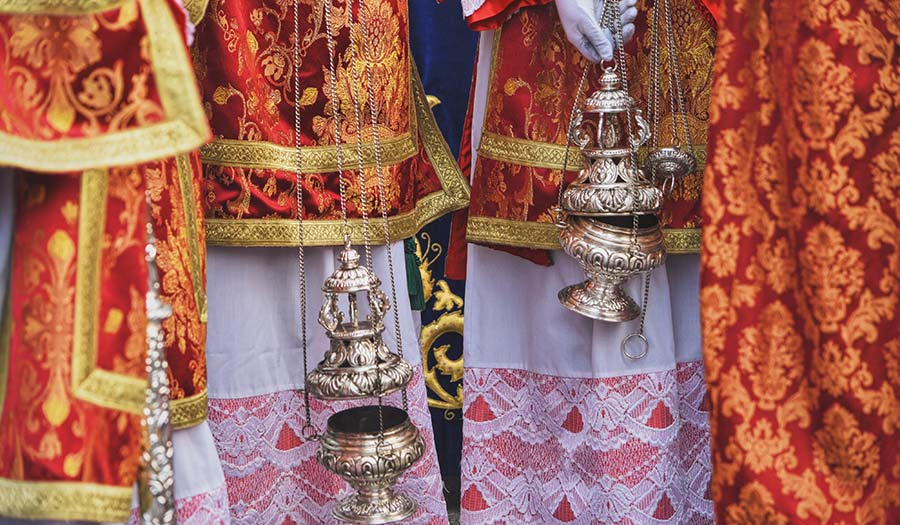censer_during_procession-apha-190301.jpg