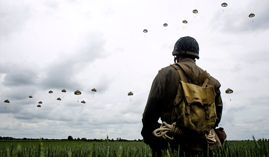 commemorative_jump_normandy-apha-200605.jpg
