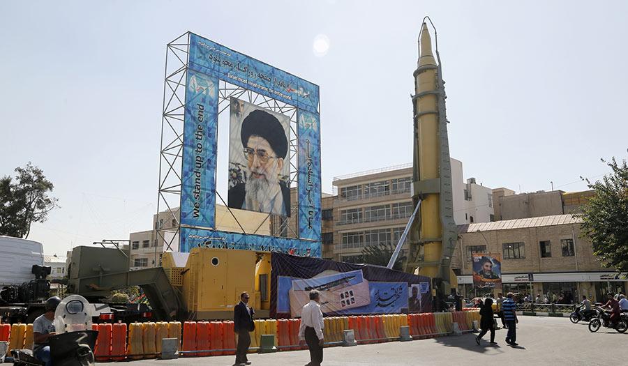 iran_khamenei_missile-apha-171214.jpg