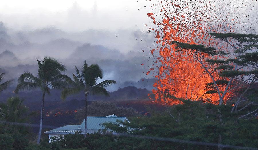 lava_fissure_kilauea-apha-180522.jpg