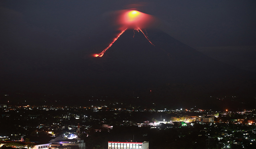 mayon_volcano_philippines-apha-180116.jpg
