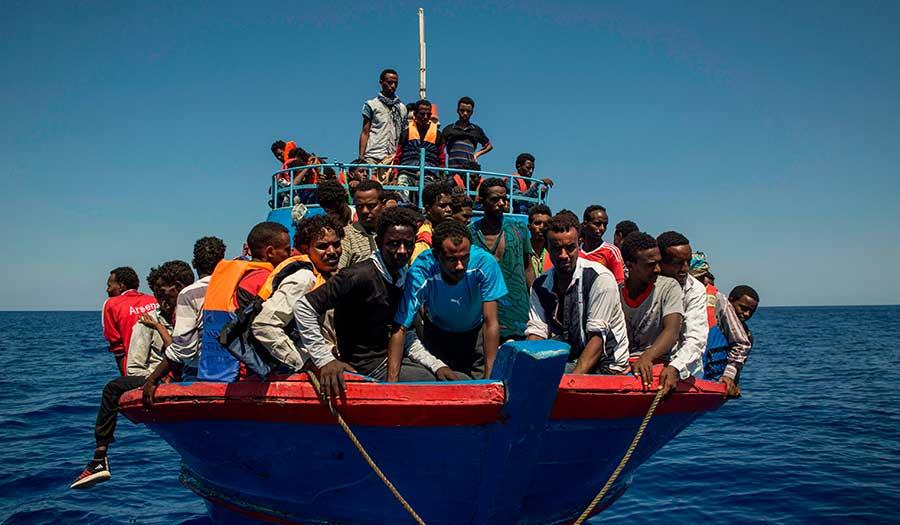 migrants_mediterranean_sea-apha-170915.jpg