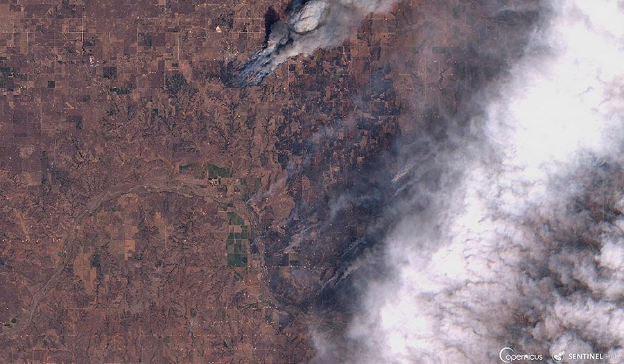 oklahoma_wildfire_satellite-apha-180418.jpg