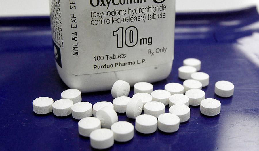 oxycontin_epidemic_pills-apha-180213.jpg