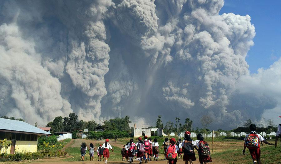 sinabung_erupts_sumatra-apha-180219.jpg