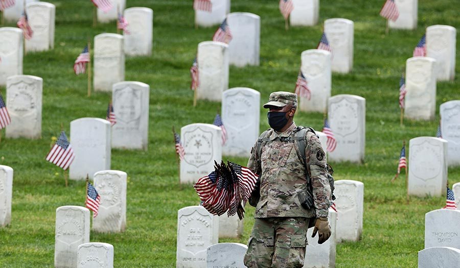 soldier_flags_arlington-apha-200522.jpg