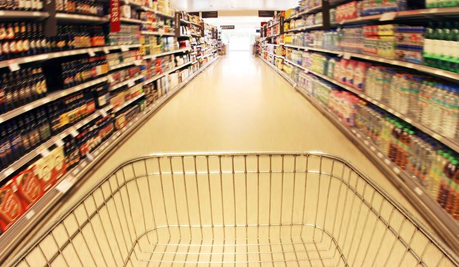 trolley_supermarket_aisle-apha-200325.jpg