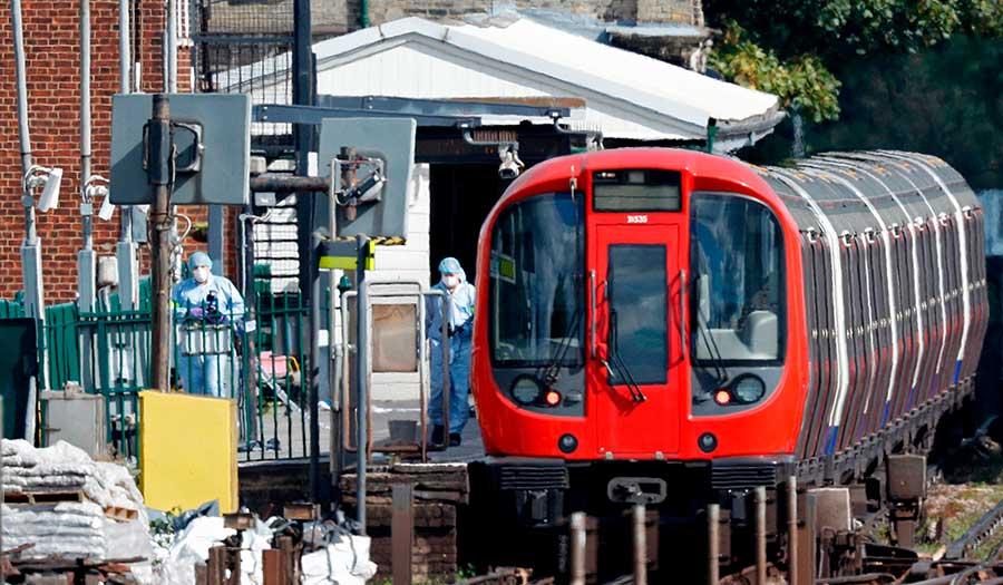 underground_tube_train-apha-170915.jpg